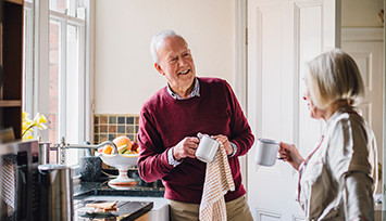 older-couple-doing-washing-up_Feature_box_355px